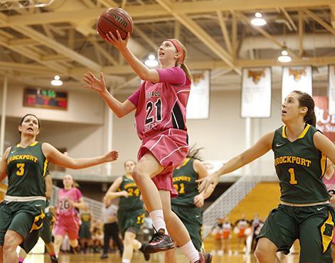 Women's basketball falls in Baldwin-Wallace Invitational