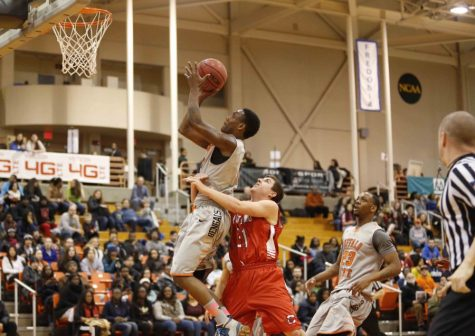 Putting up points in bunches, men's basketball starts 3-0
