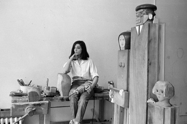 1960s pop artist Marisol's estate is donated to art gallery