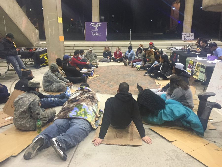 Students+and+community+members+band+together+to+advocate+for+homelessness+and+hunger+awareness+at+2016%27s+Sleep+Out.+