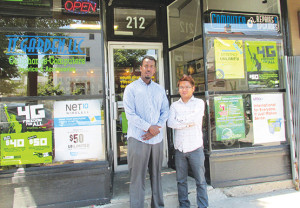 Student entrepreneurs reach out to immigrant community