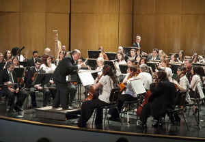 Orchestra blends college with community, creates diversity