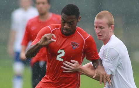 Men's soccer splits pair of games against high-level opponents