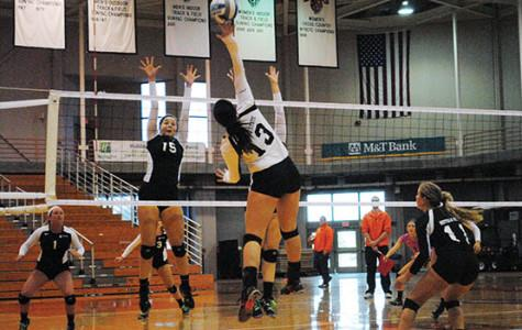 Volleyball bounces back at difficult Ohio tournament