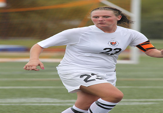 Shannon Yokopovich tied the score with a late goal Friday to help give the Bengals a 1-1 draw against Skidmore.