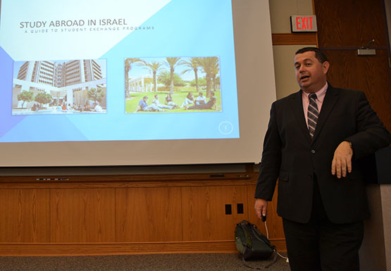 Israel consul lectures on studying abroad