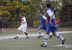 Three first-half goals sink men's soccer in SUNYAC matchup with Fredonia