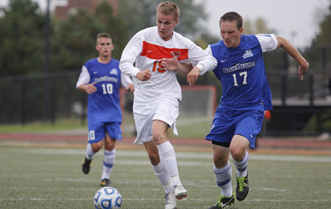 Men's soccer shuts out SUNYAC opponents in weekend sweep