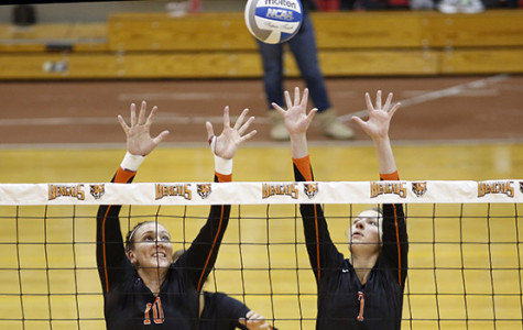Volleyball wins SUNYAC championship, automatic NCAA bid