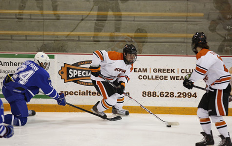 Late goal gives men's hockey a tie against SUNYAC rival Fredonia