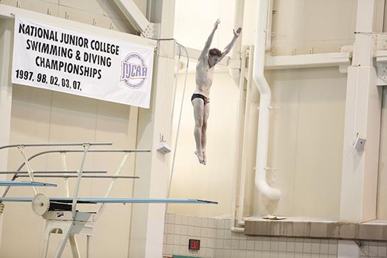 Alec Fleet finished first in the 1-meter dive at the SUNYAC championships in downtown Buffalo to give Buffalo State its first title since 2001.