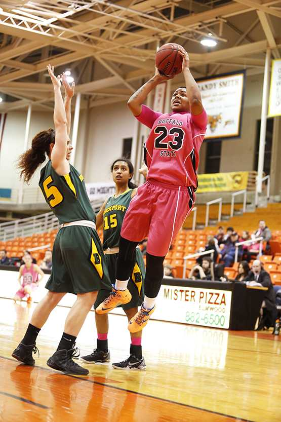 Senior #23 Bianca netted her 1,000th career point in Friday's game against Brockport.