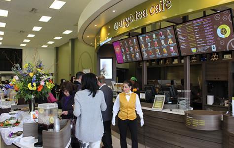 Butler toasts the opening of Argo Tea kiosk