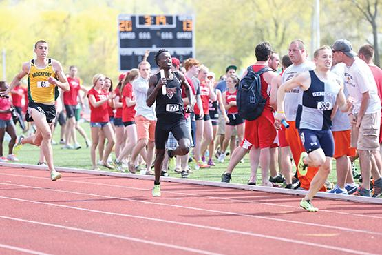 Junior Alex Ngabo led the Bengals, winning both the 800m and 3,000m steeplechase.