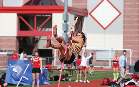 Nationally-ranked track teams start outdoor season