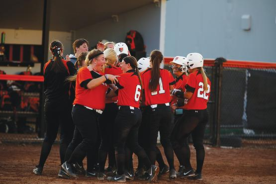 Softball puts past aside, shoots for upset of Cortland