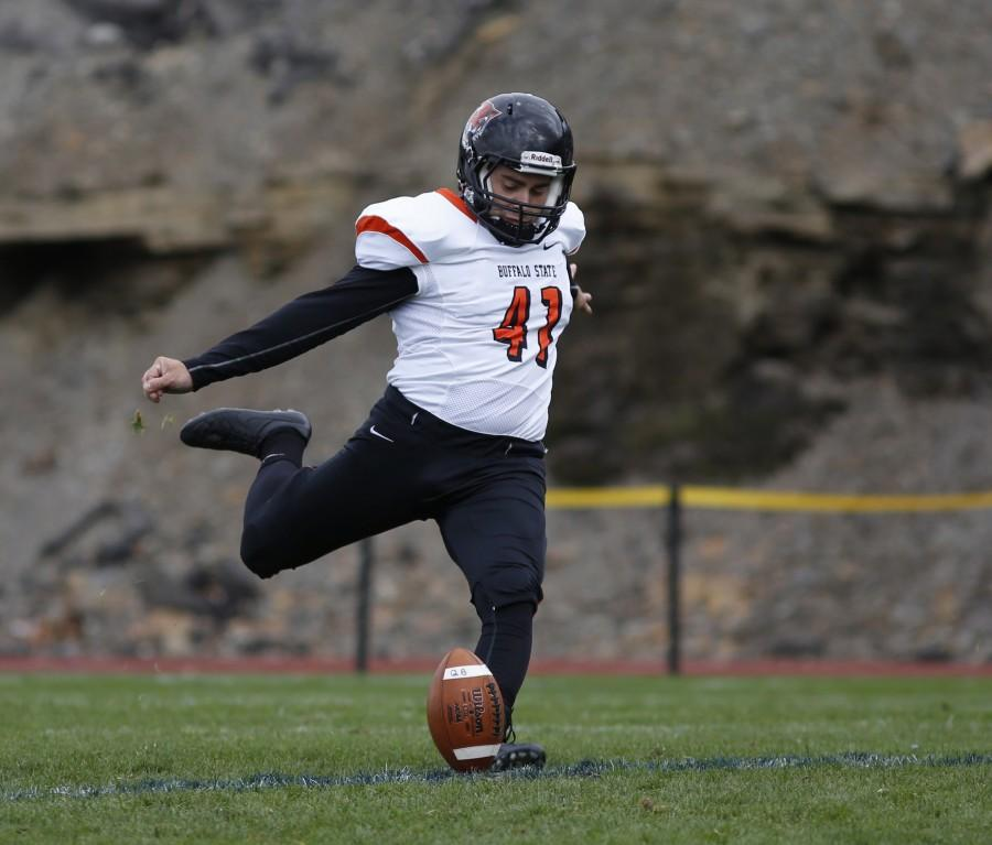 Bengals' kicker Marc Montana is a former Division 1 walk on, now he's on pace to break school records at Buffalo State.