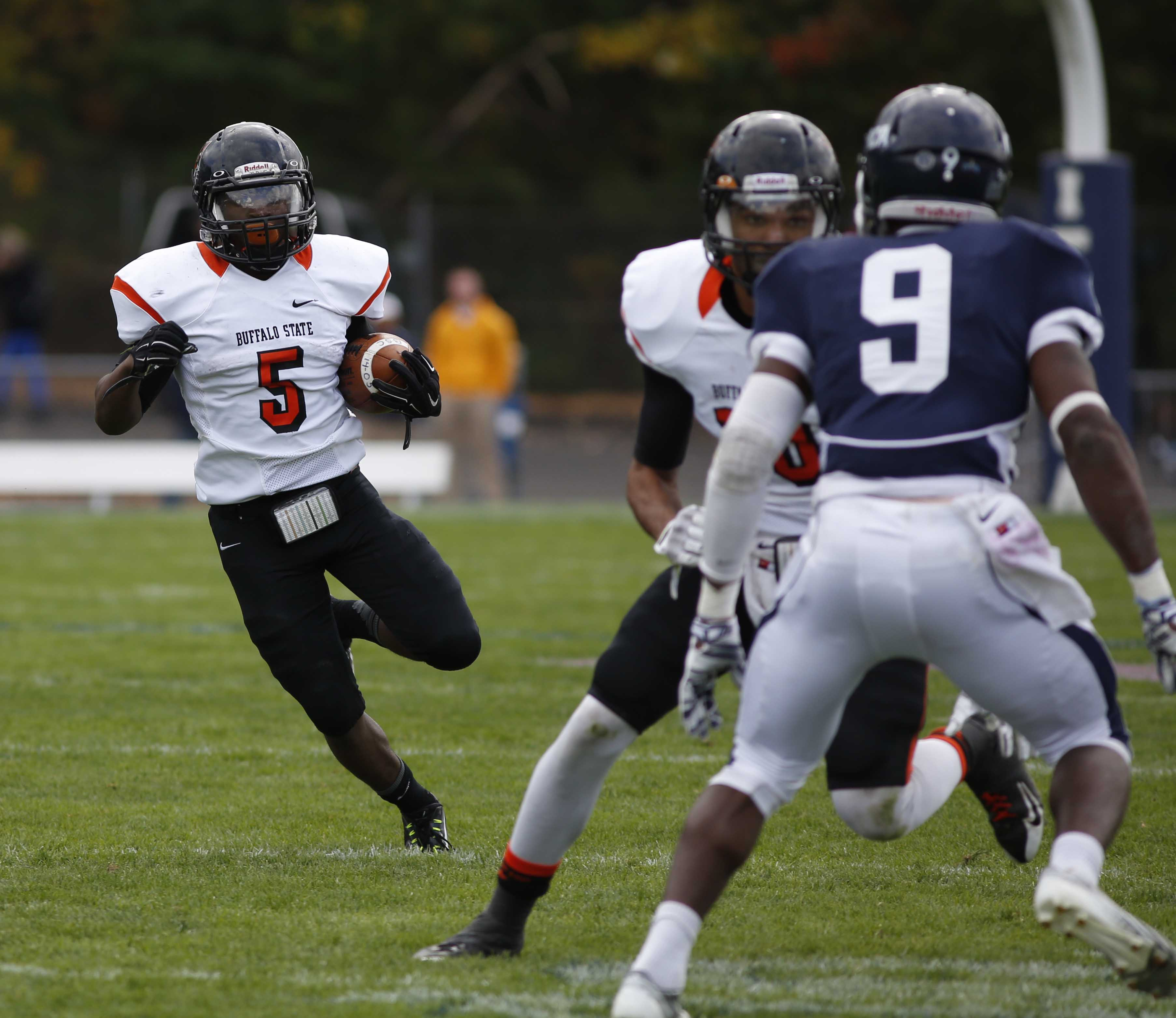 Running back Rich Pete (5) leads the Empire 8 in rushing, averaging 124 yards-per-game.