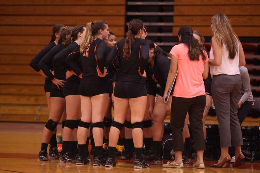 Volleyball gets first win of the season; sweeps D'Youville, 3-0