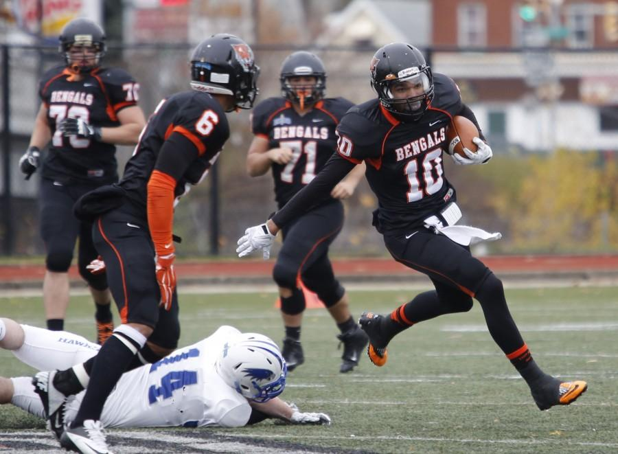 Ryan Carney had nine catches for 229 yards and three touchdowns in a win over Hartwick.