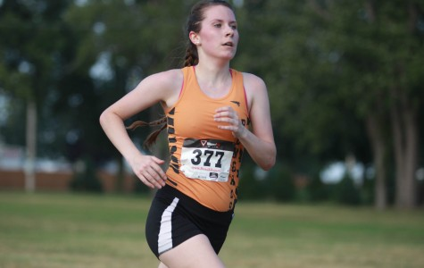 Kat McNamara 38th overall to lead the women's cross country team.