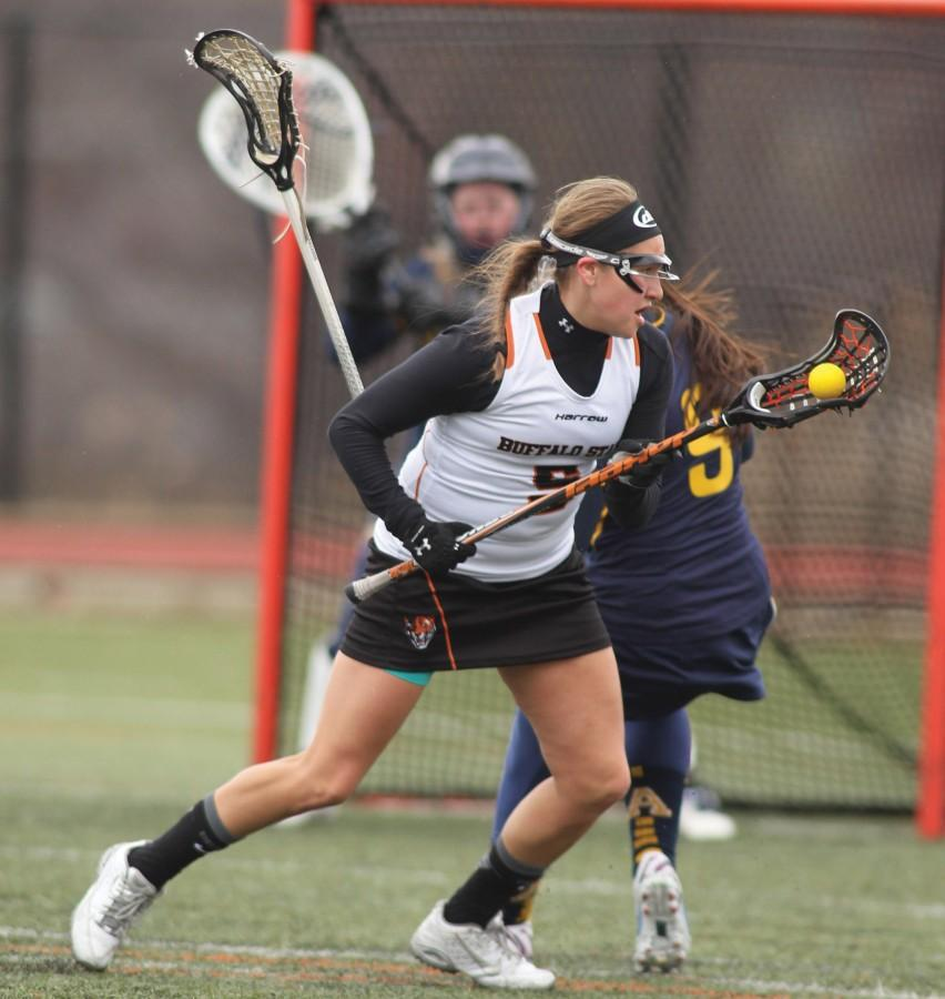 Sophomore+attacker+Alanna+Herne+leads+the+SUNYAC+in+goals+%2821%29.