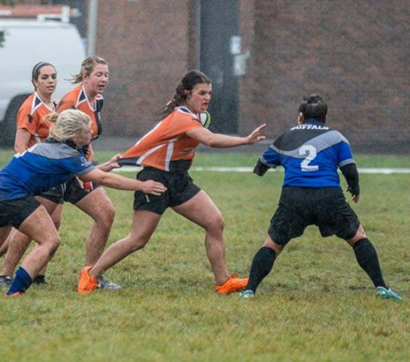 Emily Sneck and the Bengals outlasted Syracuse to move to 2-0.