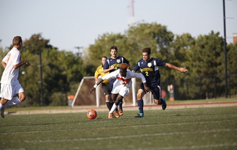 Men's soccer clinches playoff spot with 2-0 win over New Paltz
