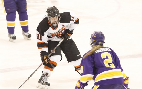 Women's hockey remains undefeated with weekend sweep of Neumann