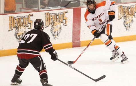 Men's hockey: Salkeld inks pro contract