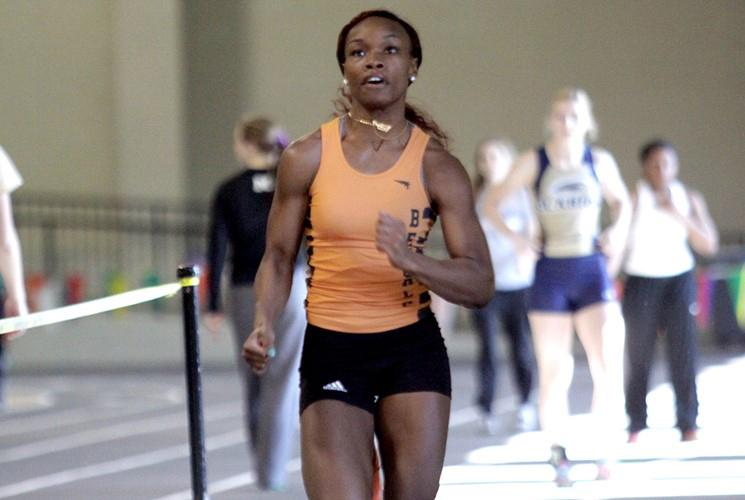 Senior jazlyn Porter ran a leg of the Buffalo State meet-winning 4x100 meter dash.