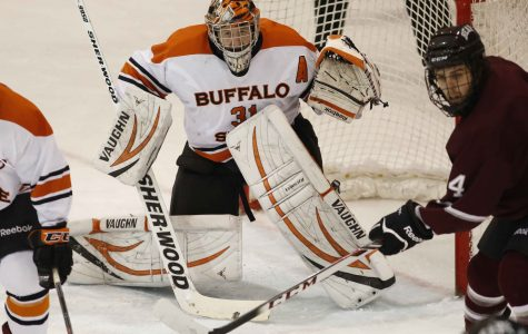 Former Bengal Carr gets opportunity with NHL's Canucks
