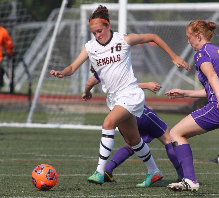 Senior+forward+melissaSmith+scored+theory+goal+in+Saturday%27s+draw+with+Union+College.