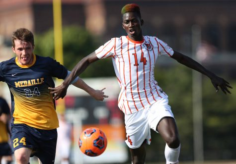 Men's soccer looks to carry success to 2017