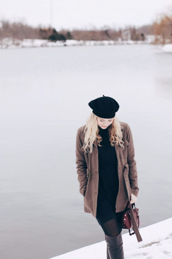 Fashion editor Francesca Bond showing off a partially thrifted outfit at Hoyt Lake.