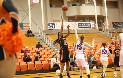 Women's basketball bounced by Fredonia, 80-61