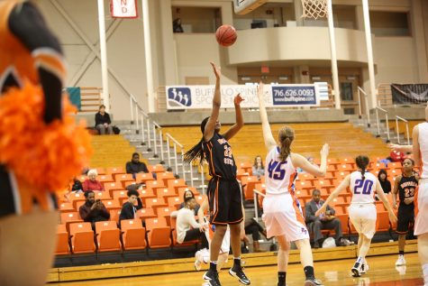 Women's basketball eliminated from playoffs after loss to Cortland