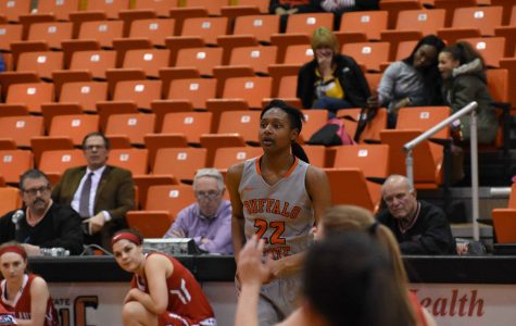 Women's Basketball crumbles against SUNY New Paltz, 81-77