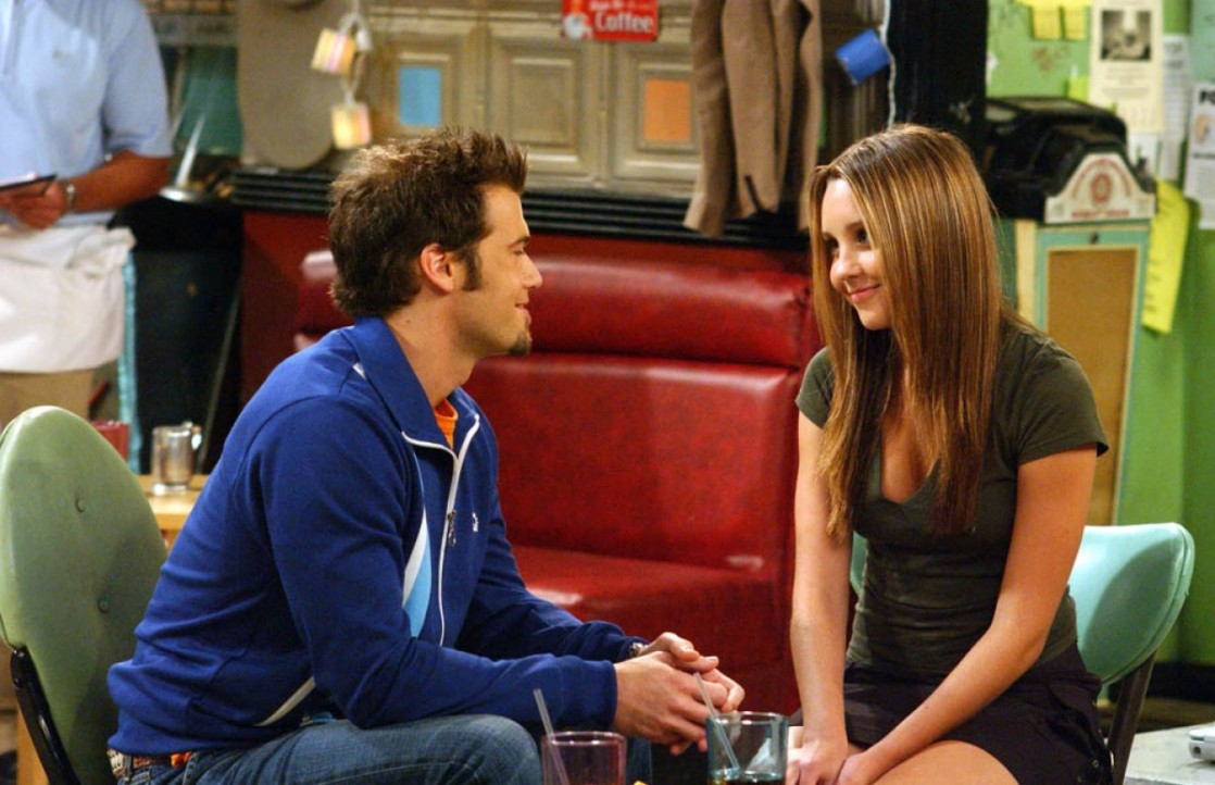 Amanda Bynes (Holly) and Nick Zano (Vince) in The WB's