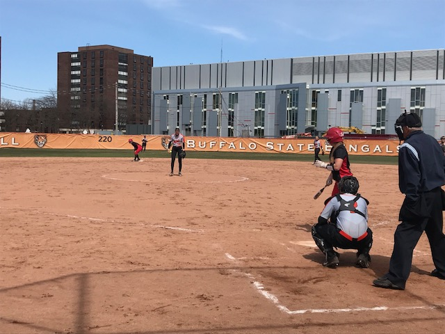 Szymkowiak leads Softball in sweep over Plattsburgh