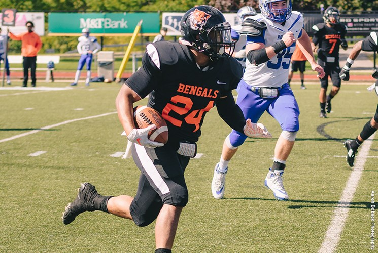 Martin+Bailey+ran+for+117+yards+and+two+touchdowns+in+the+Bengals%27+Homecoming+win+over+Hartwick