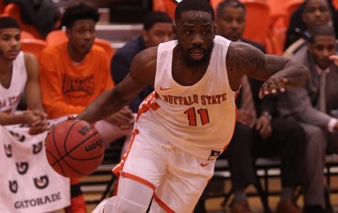 Men's Basketball holds on against Alfred State, 98-93