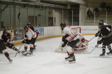 Men's Hockey season comes to an end at Geneseo, 5-2