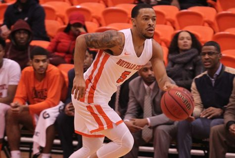 Men's basketball tripped up by Plattsburgh, 91-77