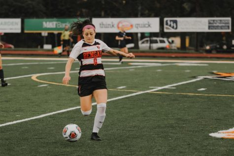 Women's soccer sweeps, Carillo breaks shutout record
