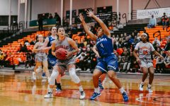Aggressive D' leads Women's Basketball to SUNYAC Semis, 61-50